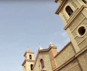 torres-del-templo-parroquial-del-sagrado-jesus-torrevieja